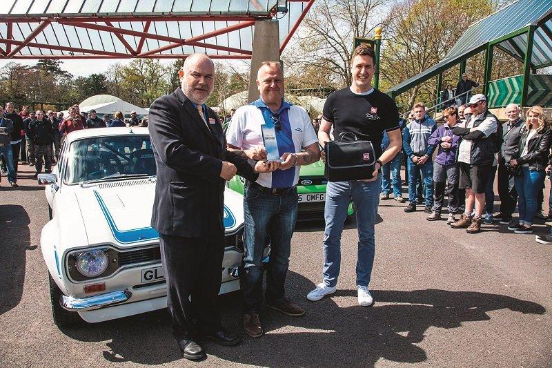 2016 Simply Ford l-r Beaulieu MD Russell Bowman, People's Choice winner Glyn Baker, Autoglym's Mark Docherty