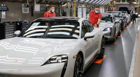 Porsche reanuda fabricación