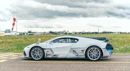 El Bugatti Divo, sale a la calle