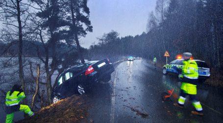 COLOR Y ACCIDENTES.  Un carro rojo es más propenso a accidentes. ¿mito o realidad? lo veremos a continuación.
